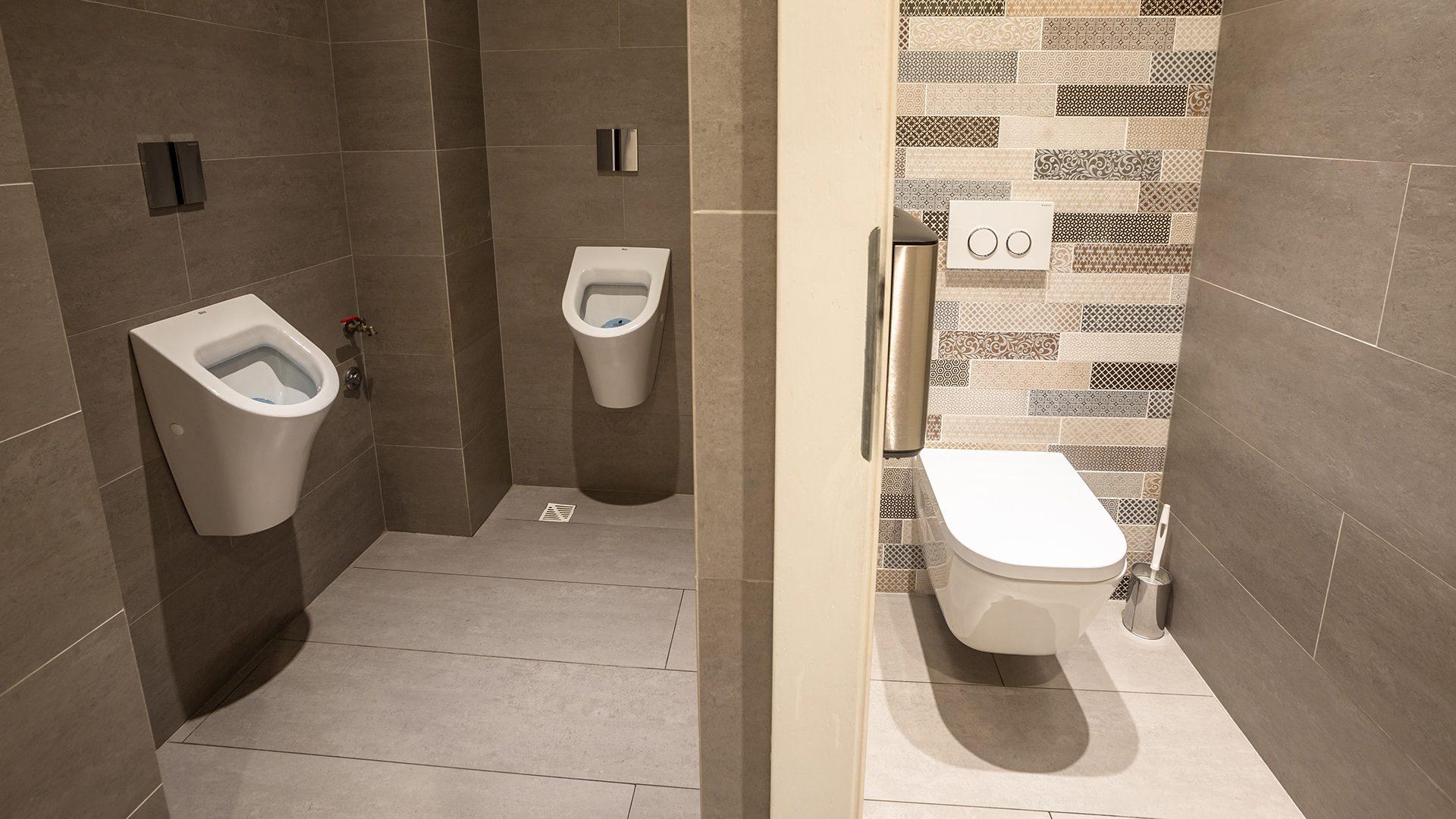 Hotel-Nafta-Krosno-toalety-021